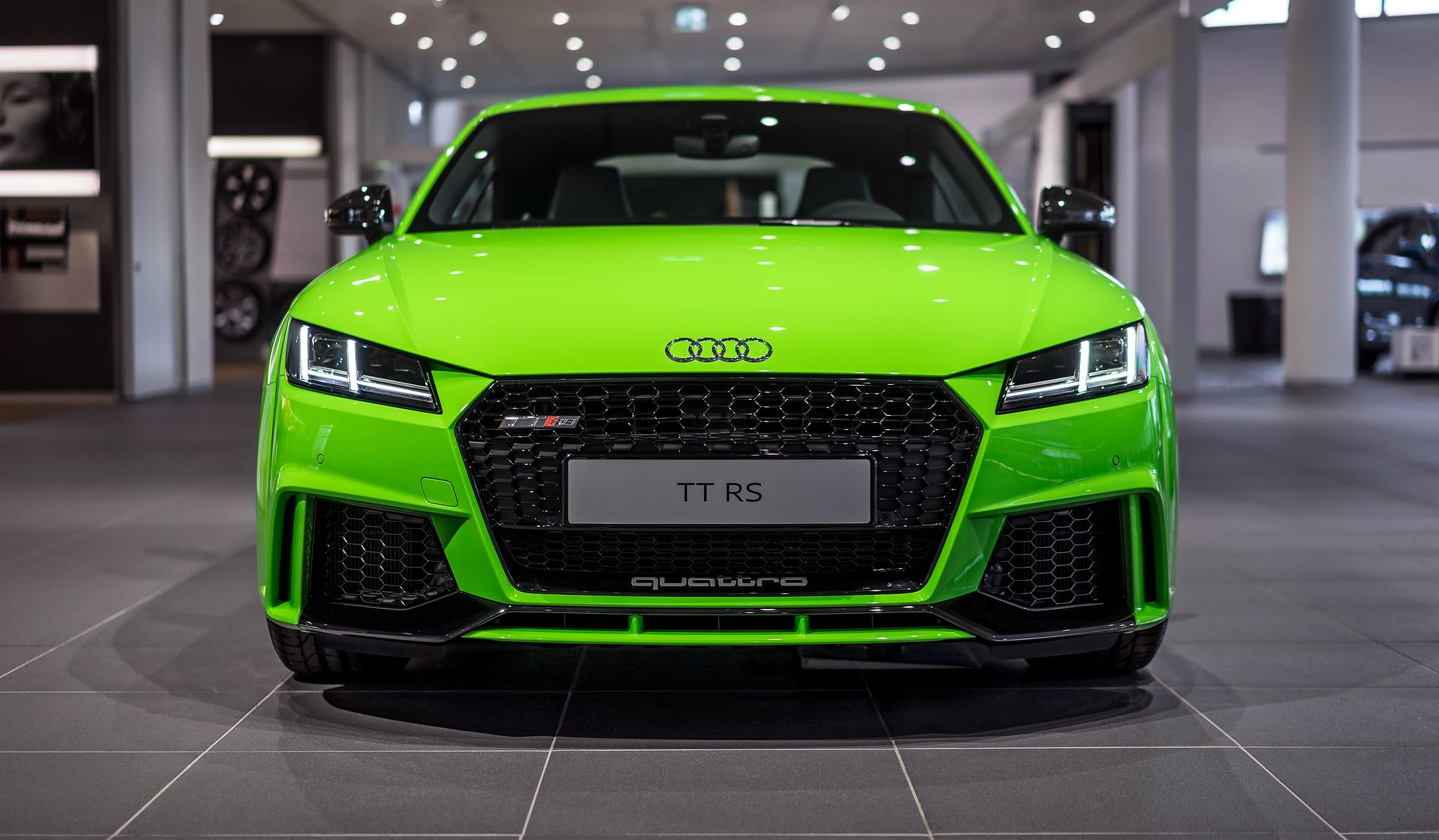 2017-audi-tt-rs-in-lime-green-looks-like-a-tiny-exotic-car-107770_1.jpg