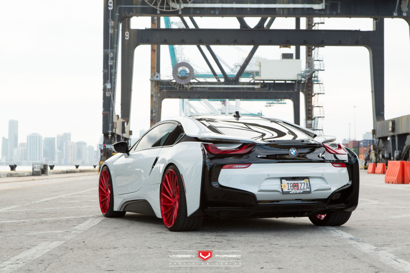 BMW-i8-Duo-Vossen-Forged-Precision-Series--Vossen-Wheels-2015-1127-840x560.jpg