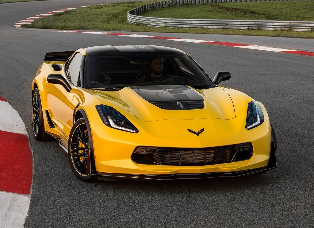 Chevrolet-Corvette_Z06_C7.R_Edition_2016_1024x768_wallpaper_01.jpg