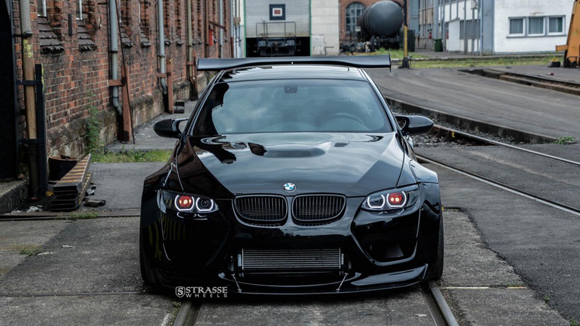 Liberty Walk Supercharged BMW M3 E92, Beast