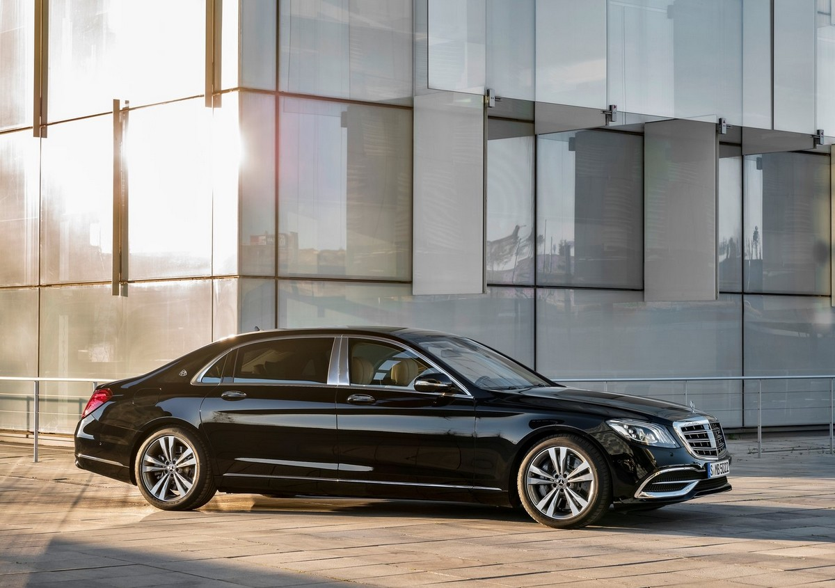 Mercedes benz reveals the 2018 s class s63 s65 maybach for Maybach mercedes benz