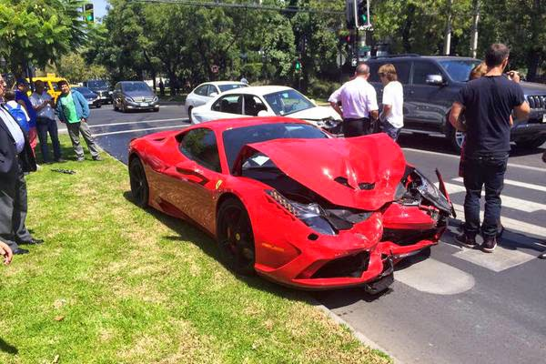 ferrari-458-speciale-crash-chile-3.jpg